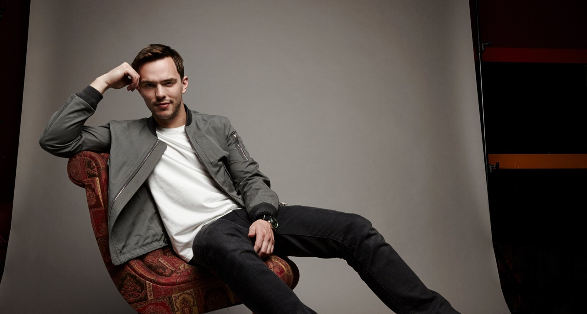 Nme male 2015 nicholas hoult actor.jpgc7